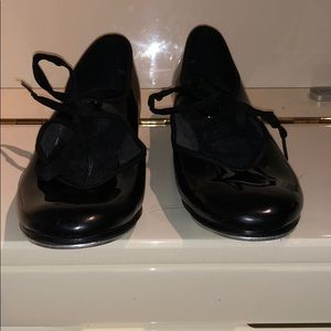 BRAND NEW TAP SHOES FOR LITTLE GIRL!